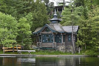 Exterior, horizontal, Lothrup Cabin on Upper St. Regis Lake, Camp Topridge, Paul Smiths, New York, Maple Island Log Homes